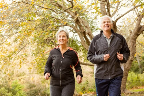 Elderly couple exercising after Diabetic Retinopathy